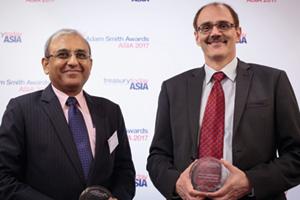 Photo of Kaushik Shaparia, Deutsche Bank and Francois Gumy, Mondelēz India Foods Pvt Ltd.