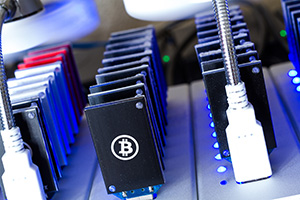 Bitcoin mining USB devices in a row