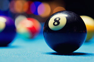 8 ball on snooker table