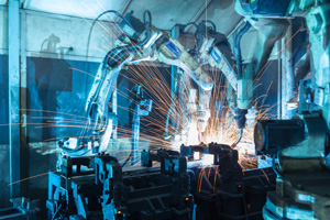 Robotic arms welding as a team