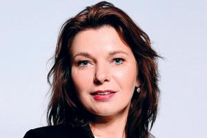 Julia Persson, Swedbank