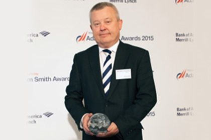 Steve Hall from J.P. Morgan collects the Award on behalf of Marc Verkuil, Bunge Finance B.V.