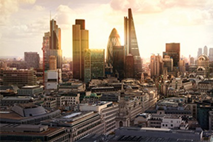 Photo of the city of London at dawn