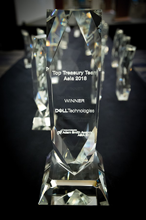 Dell Technologies crystal award