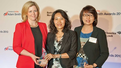 Susan Dunne and Ping Chen from Pfizer and Margaret Yao, J. P. Morgan