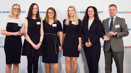 Trish Smith, Kelli-Ann Sweeney, Edel Brennan, Miriam Brosnan and Elaine Ward-Bopp, Goshawk Aviation Limited and David Nugent, Citi, standing on stage