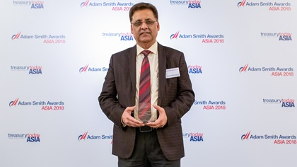 Chandra Mohan Grover, IBSFINtech collects the award on behalf of JSW Group