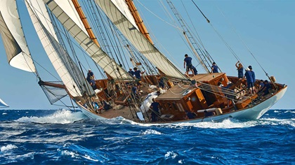 Sailing ship - navigating
