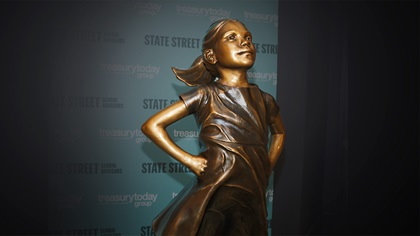 Fearless girl – Sculpture by Kristen Visbal, commissioned by State Street Global Advisors